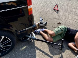 Unfall E-Scooter mit Auto